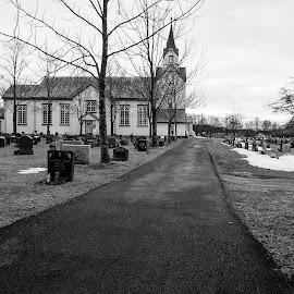 Last trip by Rune Nilssen - Black & White Buildings & Architecture ( graveyard, b&w, pentax, bw, church, k3, norway, somna )