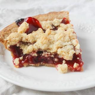 Easy Crumble Cherry Pie.