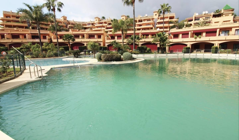 Appartement avec piscine en bord de mer Estepona