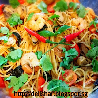 Fried Tom Yum Spaghetti