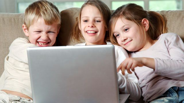 How to Monitor Social Media Activities of Your Child, Social media, sekarang, zaman ini, anak muda,