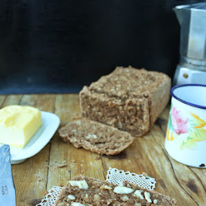 Rye bread with coffee, Quinoa and Almonds