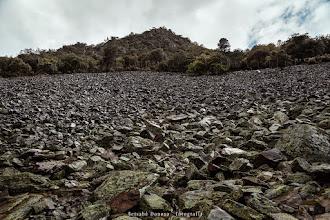 Photo: Vistas desde la ruta que va al chorro de la Meancera. Alquería de El Gasco. Comarca de Las Hurdes, Extremadura, España.  Filtros:Polarizador.  http://blog.betsabedonoso.com/2015/05/el-gasco-y-el-chorro-de-la-meancera.html