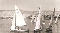 Barcos de vela que los domingos salían a competir gobernando los vientos, mientras en tierra los almerienses admiraban su destreza.