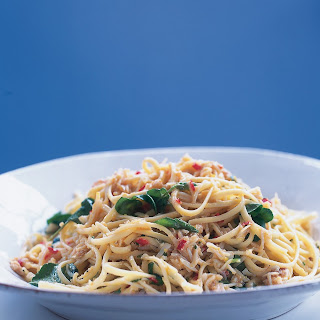 Linguine With Chilli, Crab and Watercress