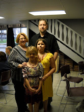 Photo: Richard Rumbaugh with wife Janice, and their daughters Amanda and Elizabeth.