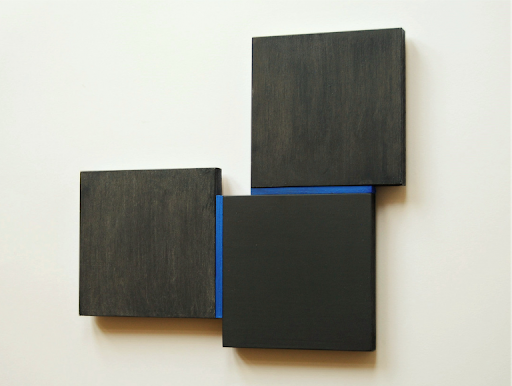 Tineke Porck, Shifts black-blue, 31 x 34 cm, oil on MDF and wood, 2020