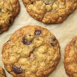 Maple Pecan & Dark Chocolate Oatmeal Cookies