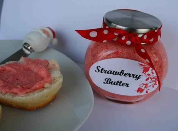 Homemade Christmas Strawberry Butter