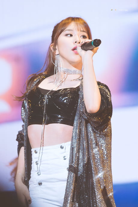 chaeyoung stage 8