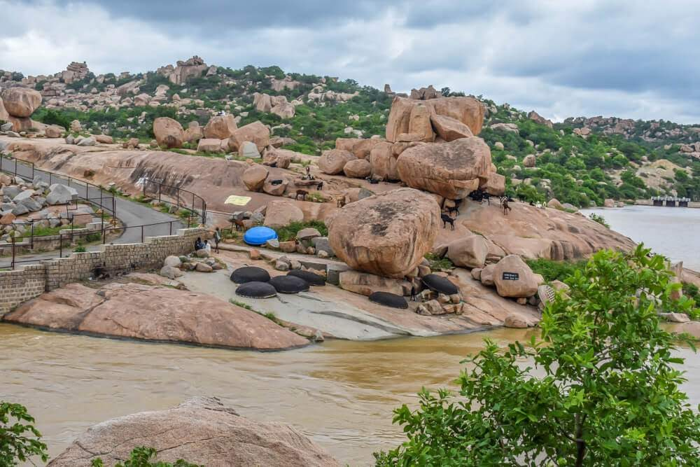 sanapur+lake+coracles+hampi+rocks+karnataka