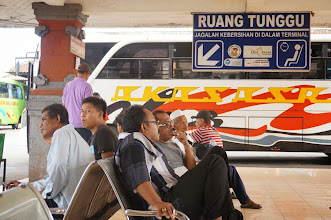 Photo: Estación de autobuses de Denpasar (Ubung)