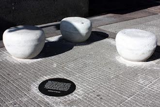 Photo: Marcas de la Memoria (3) CX30 La Radio, Director Germán Araújo. Plaza Independencia 846 (lado este, Palacio Salvo).