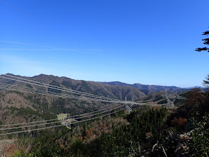 鉄塔からの展望(奥に三十三間山・駒ケ岳など)