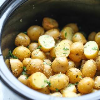 Slow Cooker Garlic Parmesan Potatoes.