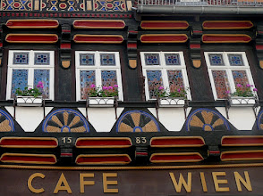 Photo: Fensterfront und Fachwerk