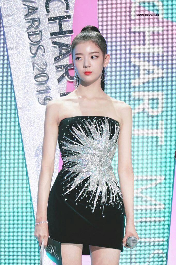 lia dress 23