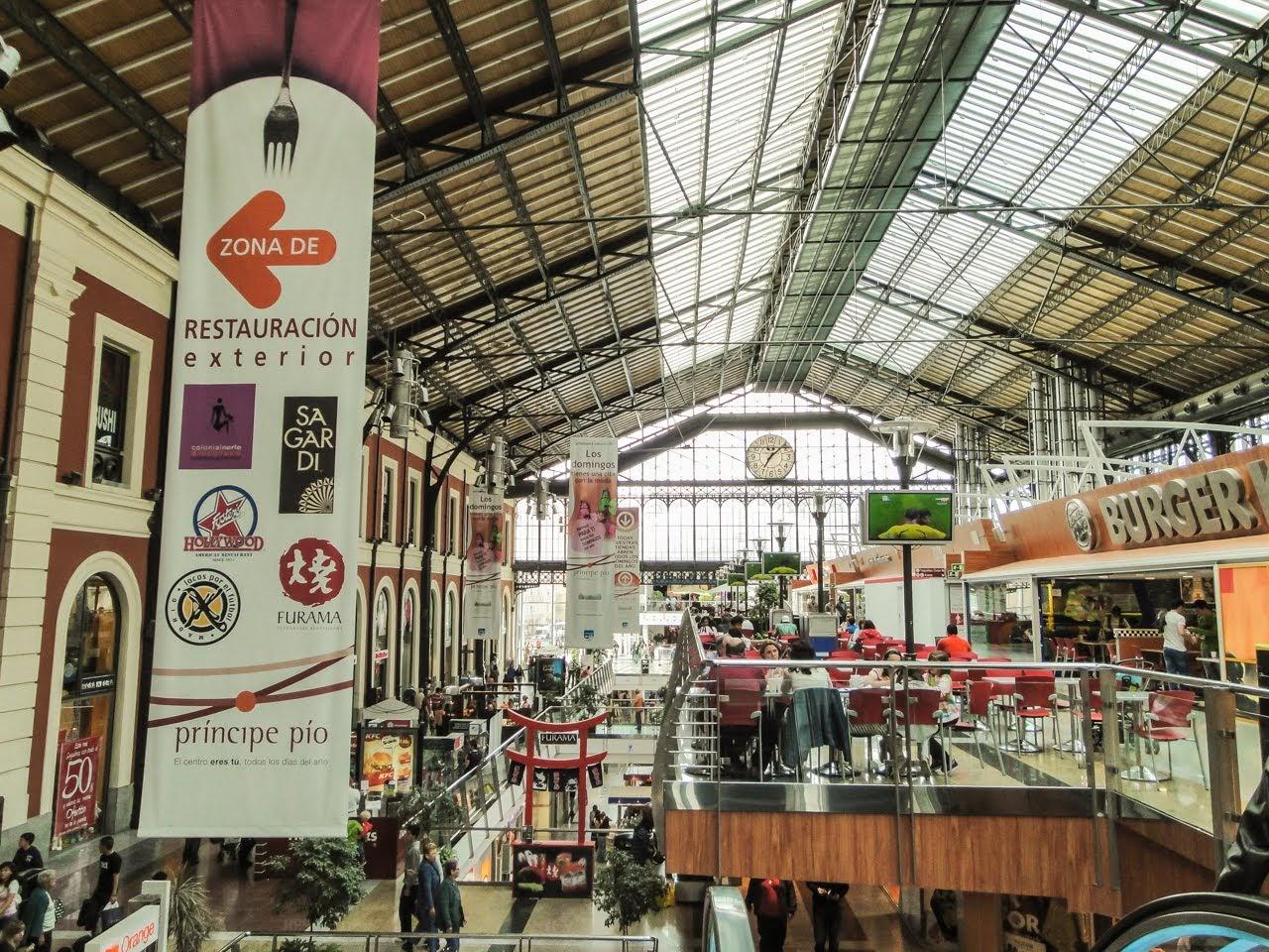 A shopping mall within Príncipe Pío area of Malasaña