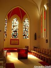 Photo: Centre spirituel du Haumont - Autel en verre fusing