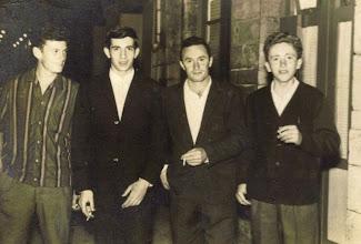 Photo: Nelito, Quique (hermano Pepu), Ovito y Quini.