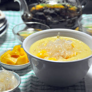 Mango Pomelo Sago Dessert.