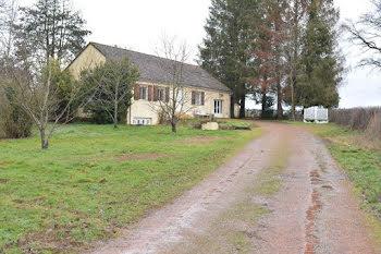maison à Baye (58)