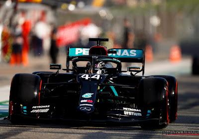 Hamilton ook de snelste in tweede oefensessie die tweemaal onderbroken werd door een rode vlag