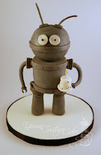 Photo: Robot! by Yuma Couture Cakes (6/10/2012) View cake details here: http://cakesdecor.com/cakes/18132