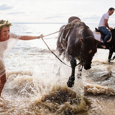 Wedding photographer Ekaterina Bondarcova (Ady-art). Photo of 27.08.2017