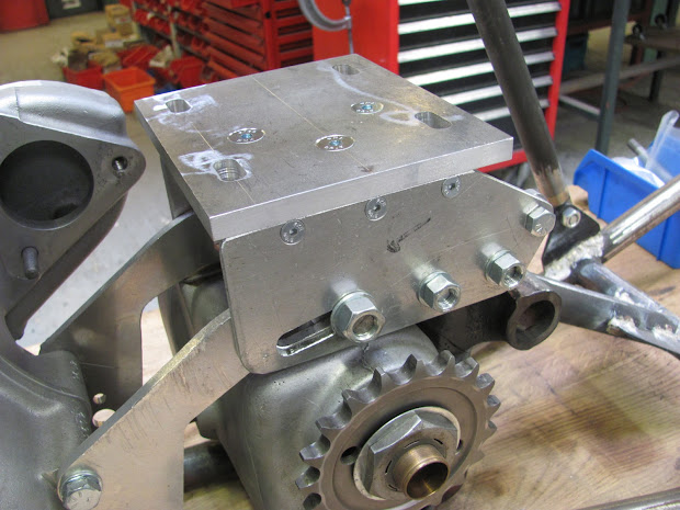 The new bracket of the blower on the Bolide. Triumph Pré-Unit with Supercharger.