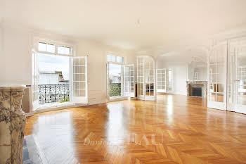 Appartement 8 pièces 402 m2