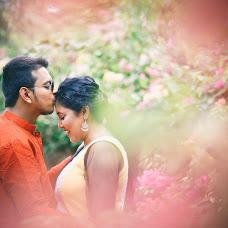 Wedding photographer Saikat Sain (momentscaptured). Photo of 21.04.2017
