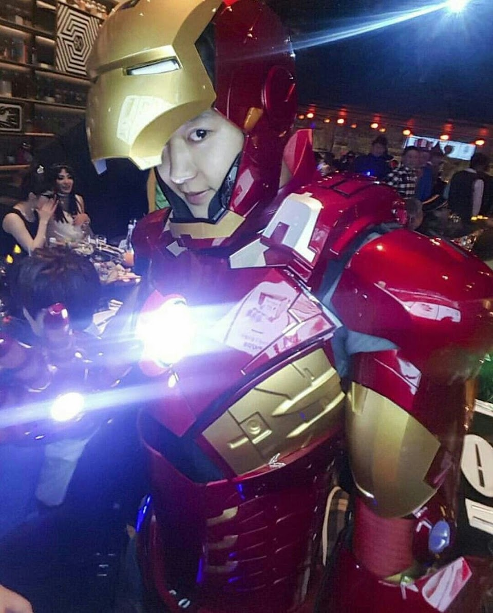 chanyeol iron man costume 1