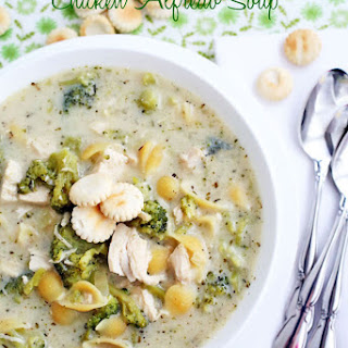 Broccoli, Pasta & Chicken Alfredo Soup