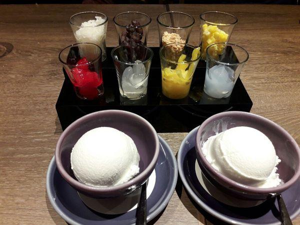 夏日泰式冰品配料自己搭八果椰子冰~NARA Thai Cuisine 台中中友店