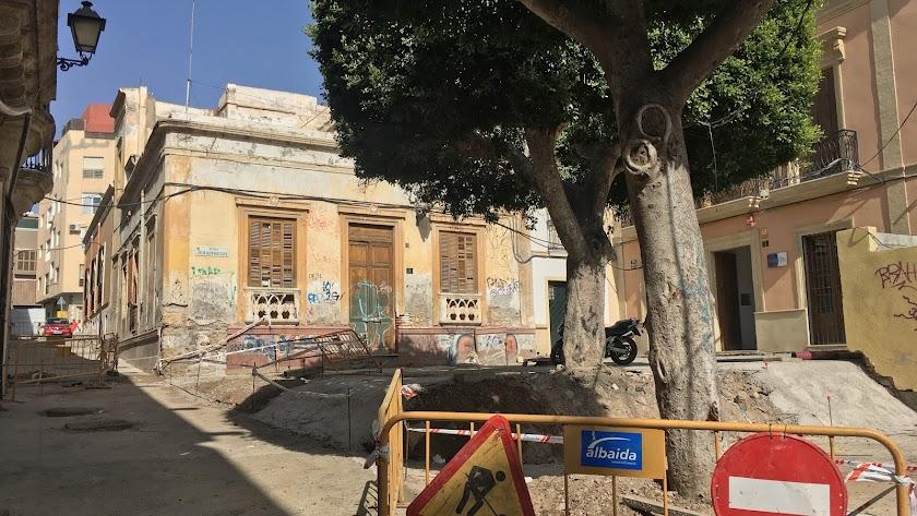 La calle Campomanes y la Plaza Julio Alfredo Egea, en la actualidad.