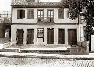 Photo: Rua João Pessoa, ao lado do antigo restaurante alemão, atual Churrascaria Premiun, à direita. Foto sem data