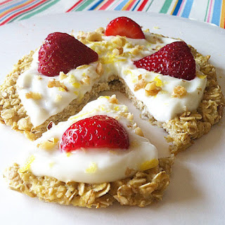 Strawberry Lemon-Cream Pie Breakfast Pizza