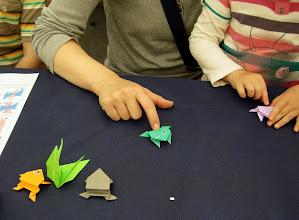 Photo: También ha enseñado a hacer ranas saltarinas