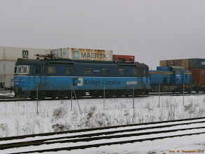 Photo: 182 128-9 (Lotos, dzierżawa od CD Cargo) i SM42-2616 (Majkoltrans) {Kutno (terminal PCC); 2013-04-05}