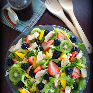 Grilled Chicken Salad with Healthy Fruits