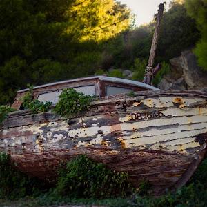 old.boat.jpg