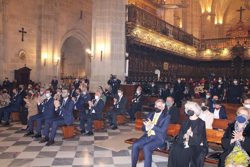 Asistentes a la toma de posesión del nuevo obispo coadjutor, Antonio Gómez Cantero.