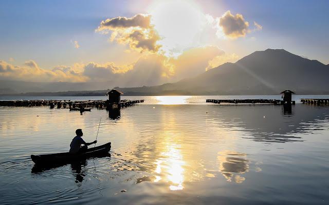 The Fisherman di Manuel G. Ph.