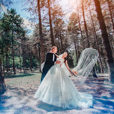 Wedding photographer Valentin Zhukov (Jukov). Photo of 23.02.2015