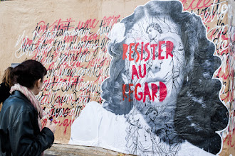 """Photo: """"Ignore the stares""""  #streetartsunday  #streetphotography  (Montpellier)"""