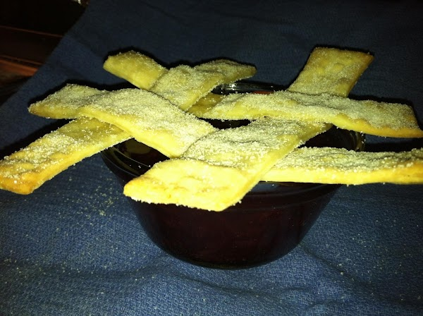 We use any extra crust to make a lattice that looks like a tic-tac-toe...