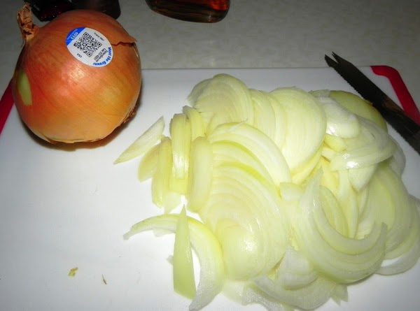 Thinly slice up your onions.