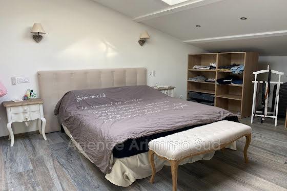 Vente villa 8 pièces 180 m2