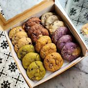 Big Box of 18 Cookies